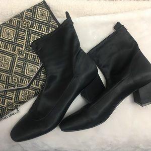 Sateen black booties chunky heel 10